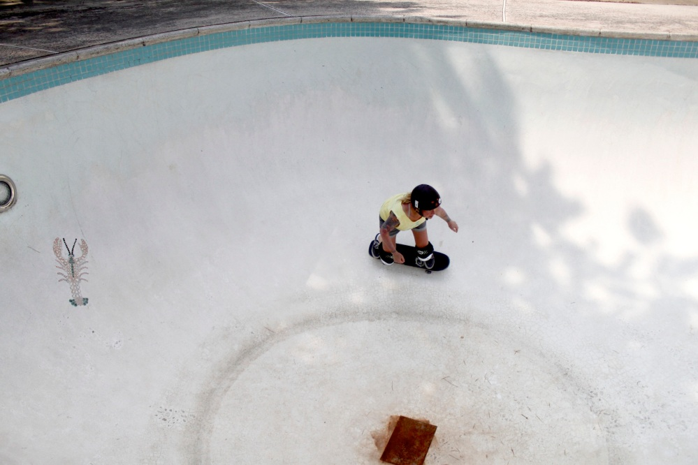 Tara Jepsen Pool Skating (Photo By Patricia Fung)